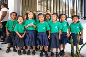 Niños en uniforme